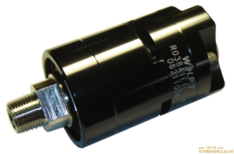 R038旋转接头可分为单回路固定式和双回路旋转式,传输介质入口可依工作情况选择从侧端或后端。内有独立管道,可作不同工作需求做选择,以发挥最大的效益。内部密封件的磨损状况可从外观目测可知,可预防机械停机或损坏,来达到预防的效果和减少损失。此款接头也抗磨损、寿命长、耐腐蚀、不泄露。 通水:最大压力50BAR;最大温度100;最高转速3000RPM 蒸汽:最大压力10 BAR;最大温度180;最高转速1000 RPM 通油:最大压力10 BAR;最大温度200;最高转速3000 空气:最大压力10 BAR;